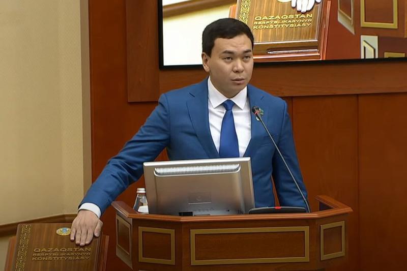 Новоизбранный депутат Мажилиса принес присягу