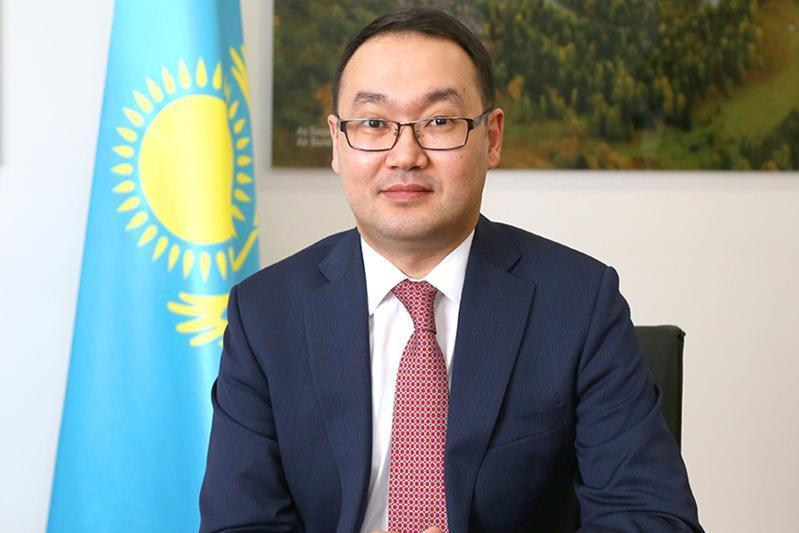 哈萨克斯坦大使会见美洲国家组织秘书长