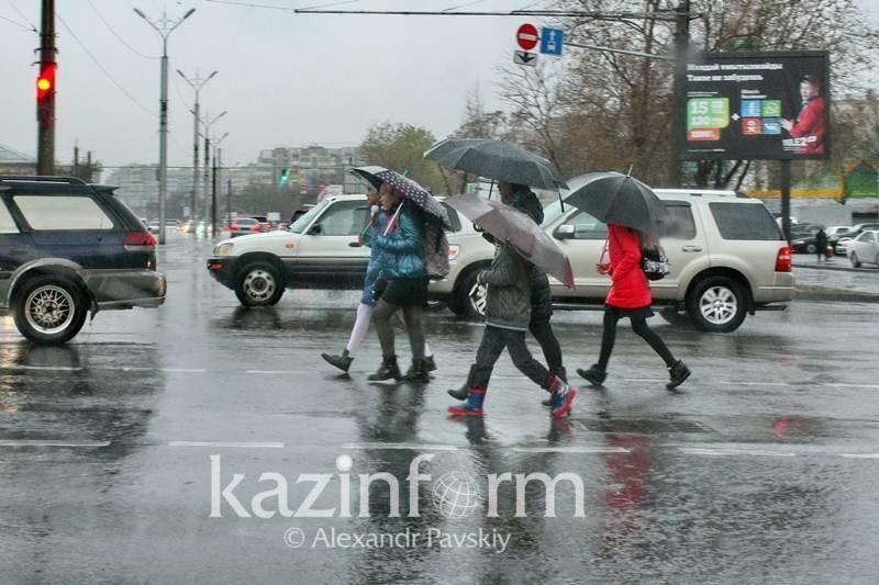 Дожди и похолодание - прогноз на три дня в Казахстане