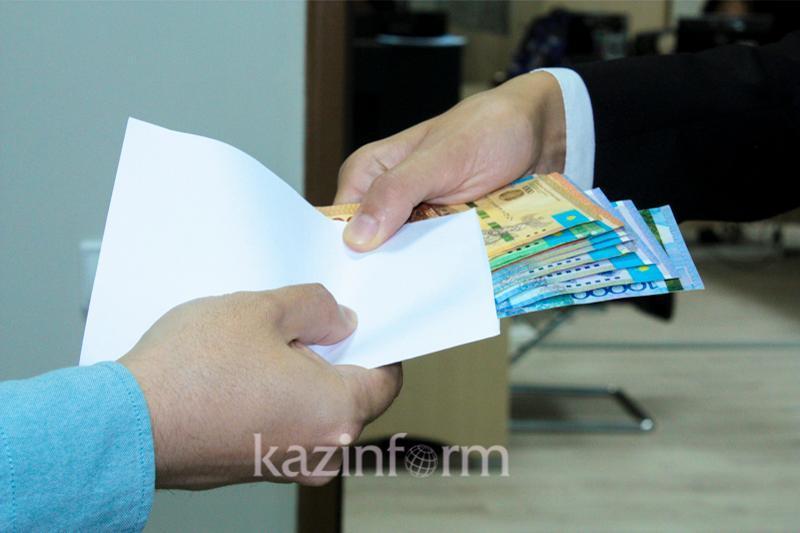 Almaty oblysynda 200 myń teńge para alǵan polıtseıler 7 mln teńgeden aıyppul tóledi
