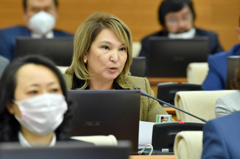 Депутаты предложили способ увеличить шансы на участие нуждающихся в программе «Бақытты отбасы»