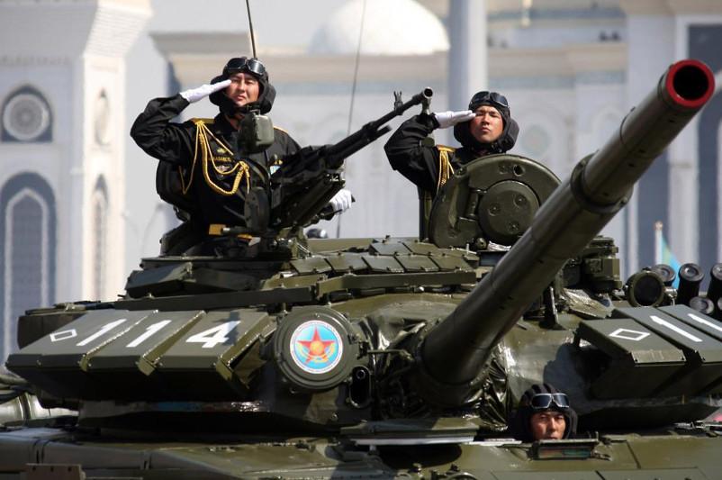 Профессиональный праздник отмечают казахстанские танкисты