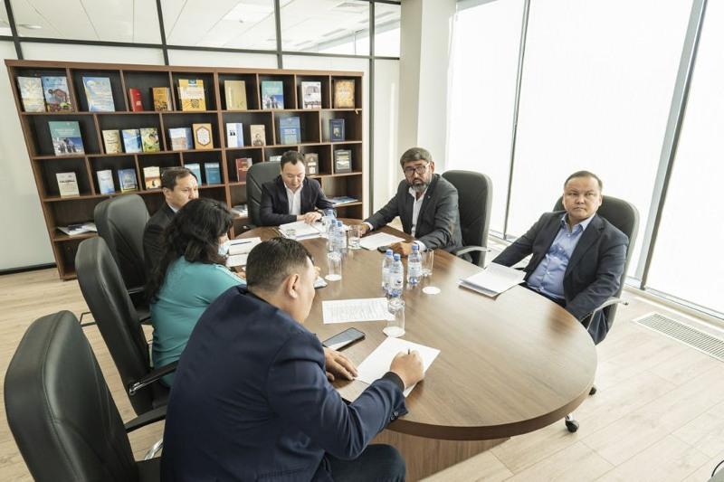 На заседании экспертного клуба «SARAP» обсудили вопросы совершенствования региональной политики