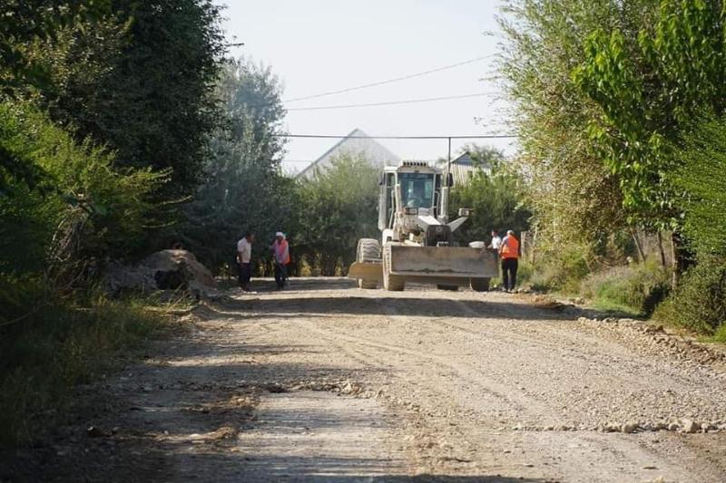 «Ауыл - ел бесігі» бағдарламасы: Келес ауданында ауылдардың ішкі жолдары жөнделуде