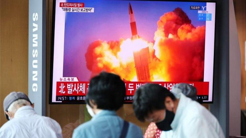 Северная и Южная Кореи почти одновременно испытали баллистические ракеты