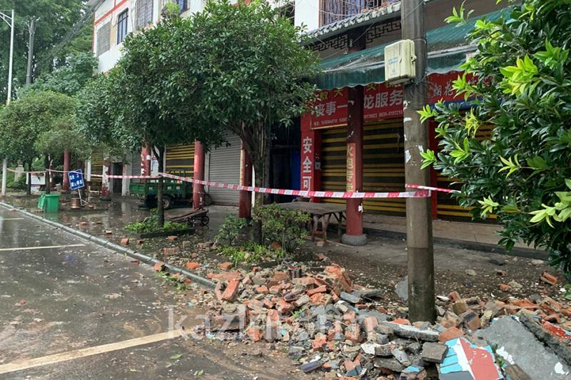 Землетрясение на юго-западе Китая: есть погибшие и раненые
