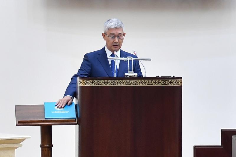 Serikbai Trumov sworn in as new member of Kazakh Senate