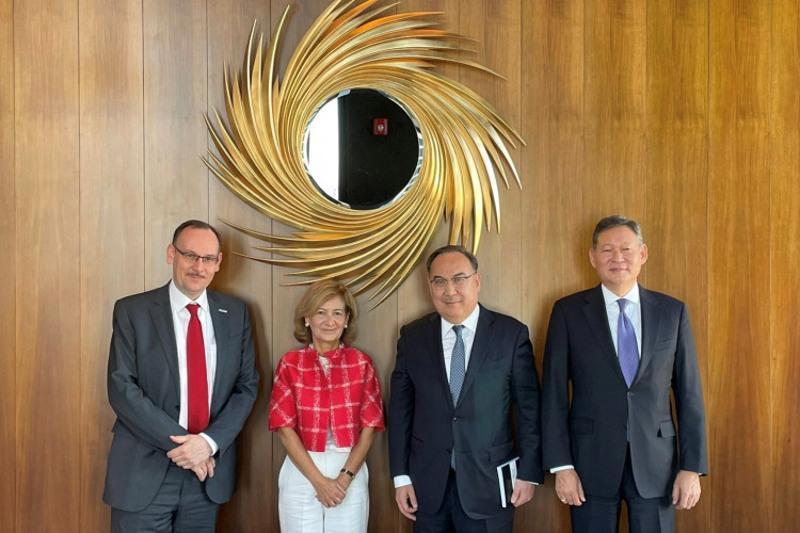 Kazakh President's Special Representative, OSCE Representative for Freedom of Media meet