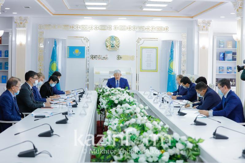 Қырымбек Көшербаев Саяси қуғын-сүргін құрбандарын ақтау жөніндегі комиссияның отырысын өткізді