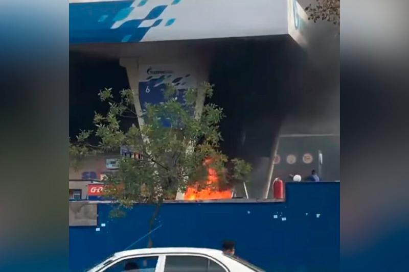 Пожар на АЗС произошел в Алматы