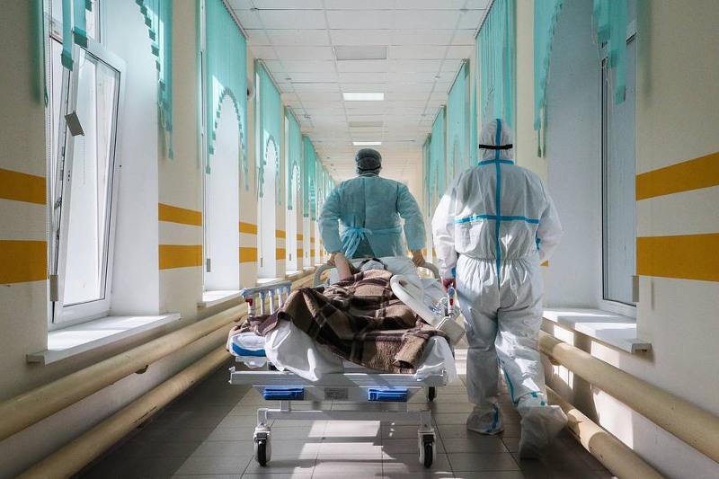 Russia reports 19,594 daily COVID-19 cases — crisis center
