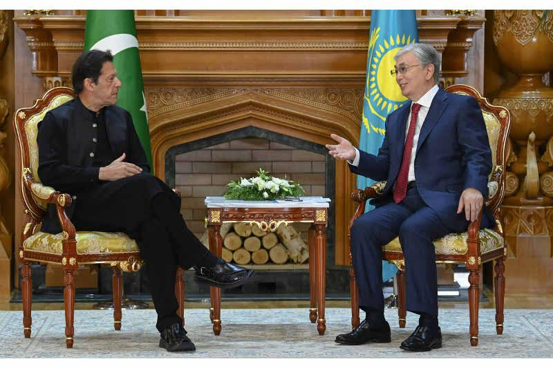 President Tokayev meets Prime Minister Imran Khan of Pakistan