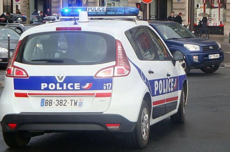 Францияда 49 йўловчи бўлган автобус ҳалокатга учради