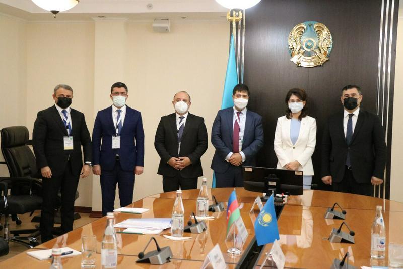新闻部部长会见阿塞拜疆媒体代表团