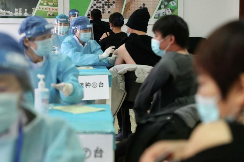 Over 2.16 bln doses of COVID-19 vaccines administered in China