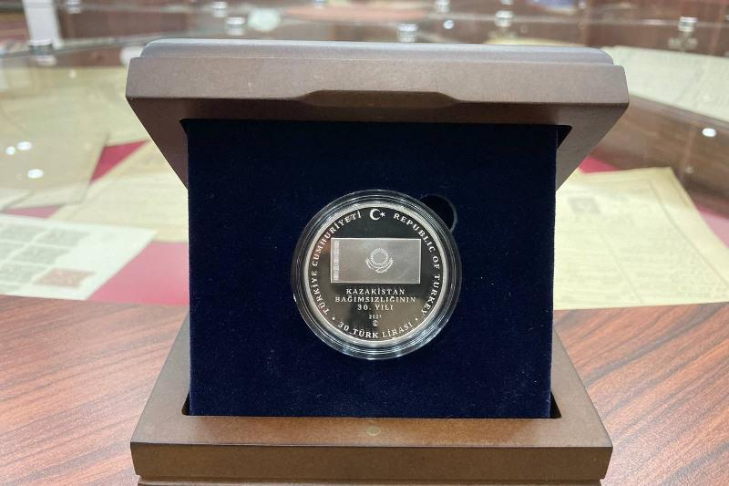 Commemorative coin dedicated to Kazakhstan's 30th independence anniversary presented in Istanbul
