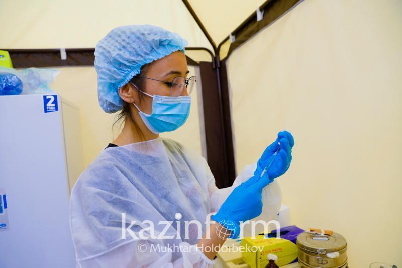 Более 7,2 млн человек привились первым компонентом в Казахстане