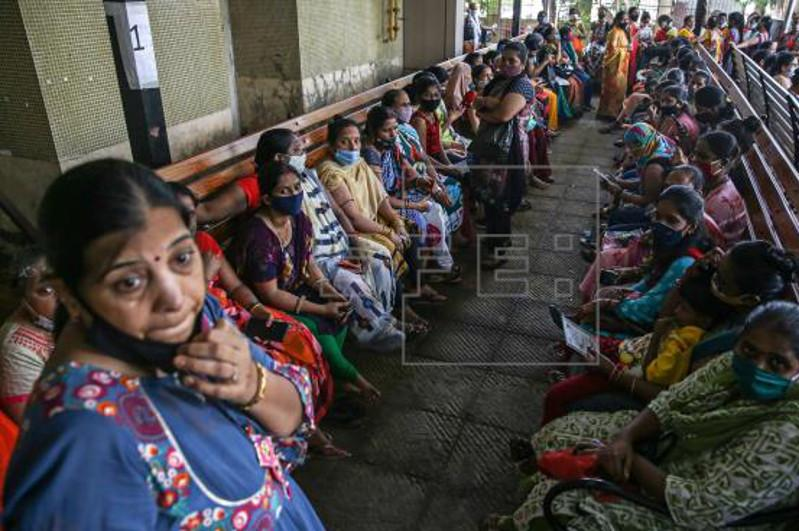 4,200 doses per minute: India's record-breaking vaccination pace