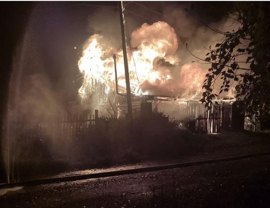 В Риддере сгорел дачный дом