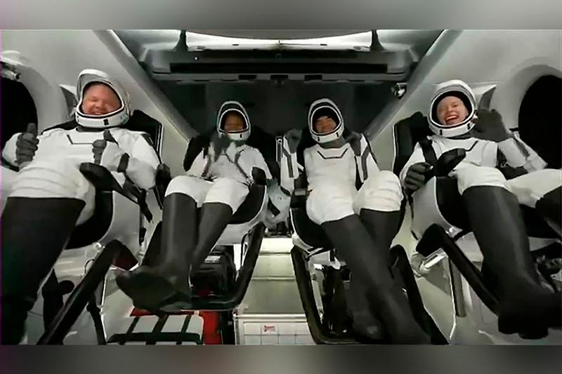 4 space tourists come back to Earth after 3 days in orbit