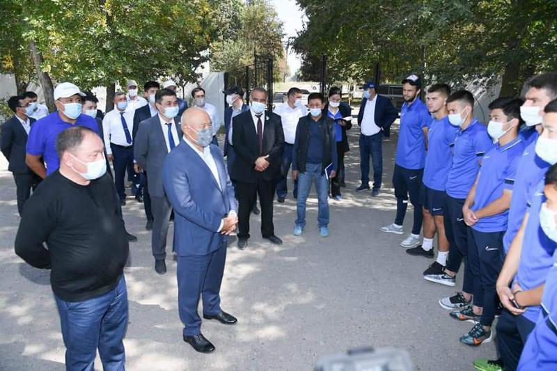 Умирзак Шукеев встретился с тренерами и игроками футбольной команды «Мактаарал»
