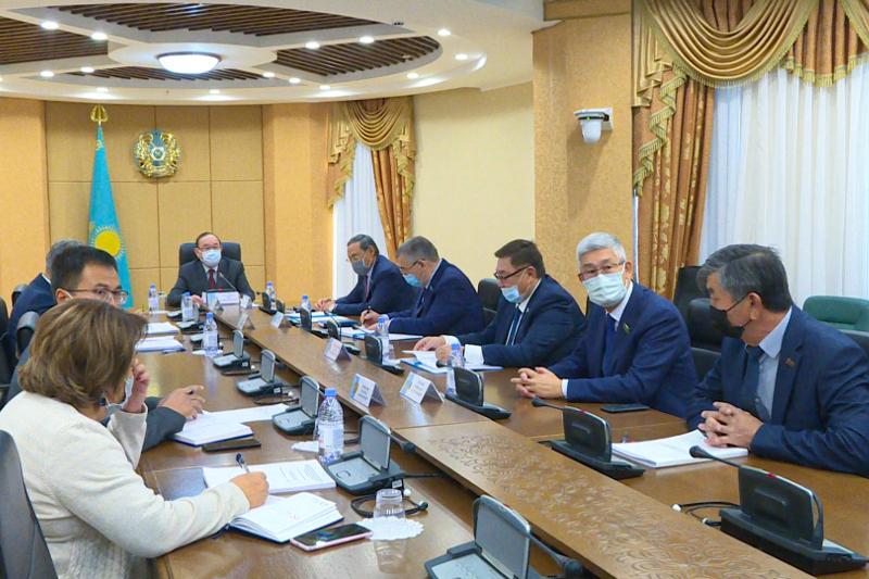 Вопросы защиты экосистемы Каспийского моря обсуждают в Сенате