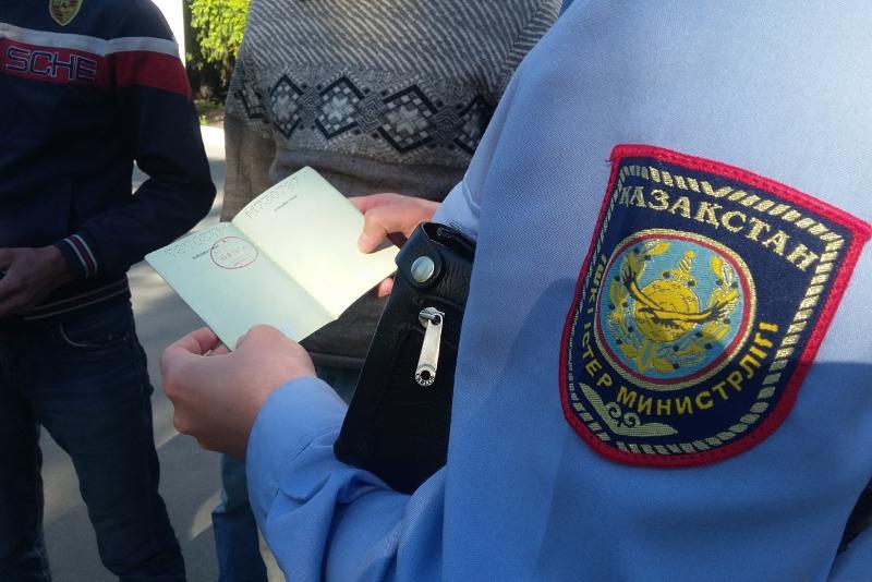 СҚО полицейлері үш күнде алимент төлеуден жалтарған 13 адамды анықтады