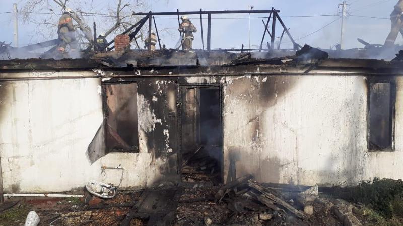 В Атырау сгорел ещё один дом