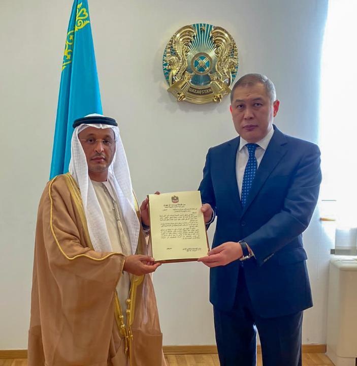 副外长会见新任阿拉伯驻哈大使