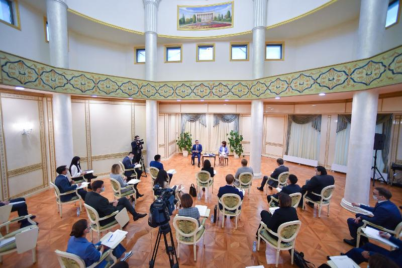Вопросы развития гражданского общества и медиасферы обсудили в Сенате