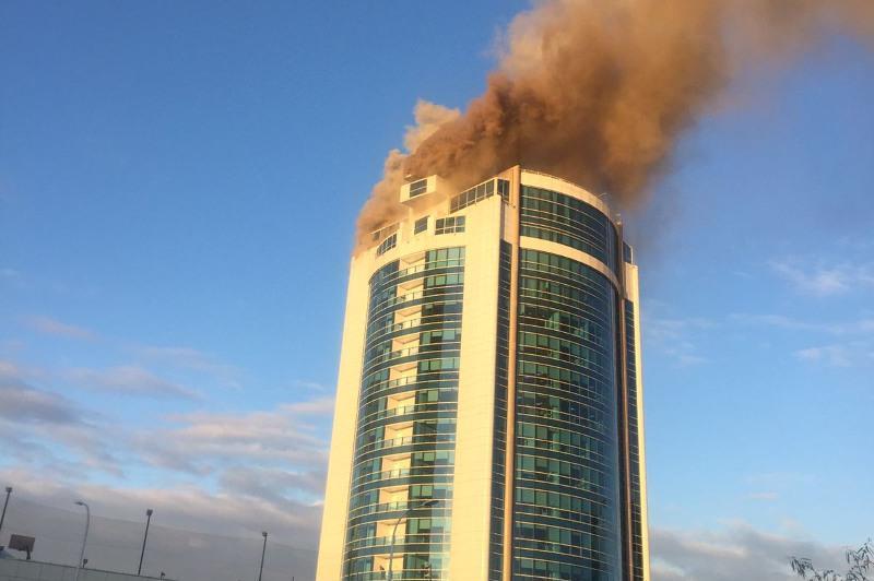 Кровля и обшивка здания «Казахмыс» загорелись в Нур-Султане