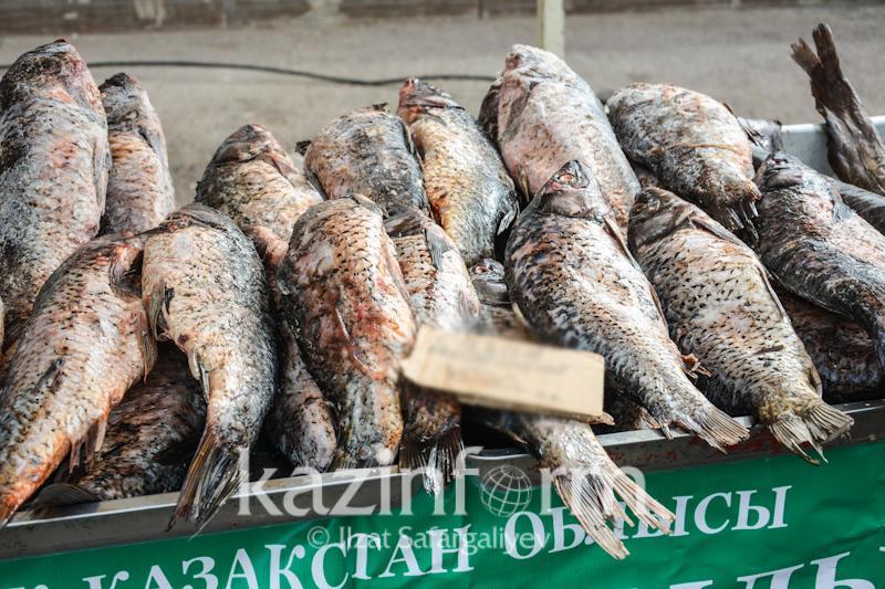 На сколько казахстанцы меньше потребляют рыбы по сравнению с соседними странами