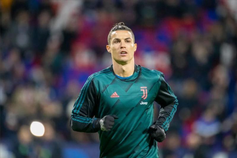 Криштиану Роналду әлемдегі ең көп ақша төленетін футболшыға айналды
