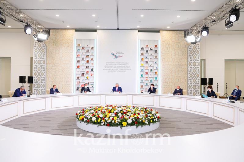 Проект «100 новых учебников» раскрыл новые отрасли на казахском языке - Госсекретарь