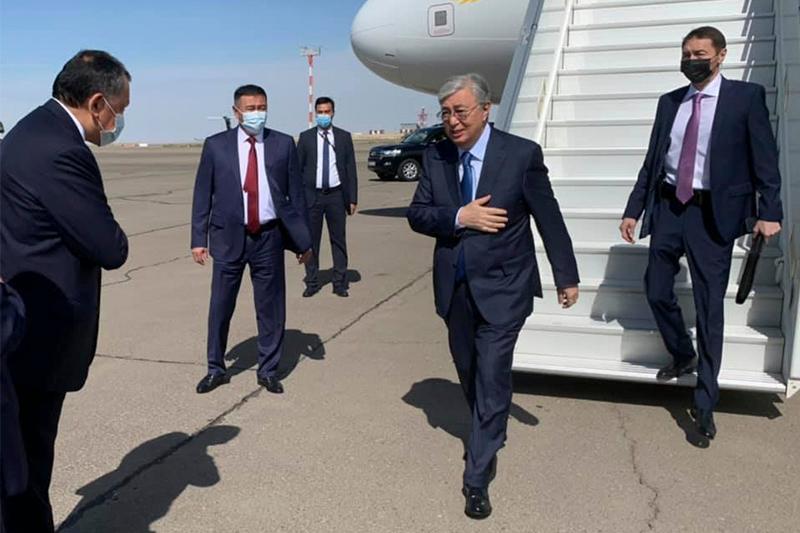 托卡耶夫总统抵达曼格斯套州 开始为期两天的工作视察
