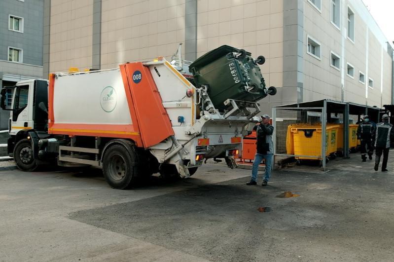 Более 1000 тонн бытовых отходов вывозят ежедневно с территории столицы