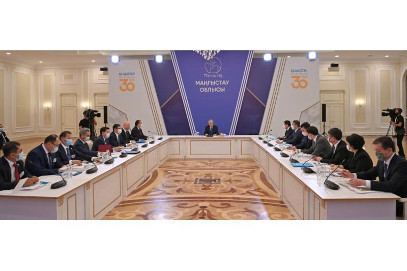托卡耶夫总统主持召开曼格斯套州社会会经济发展问题工作会议