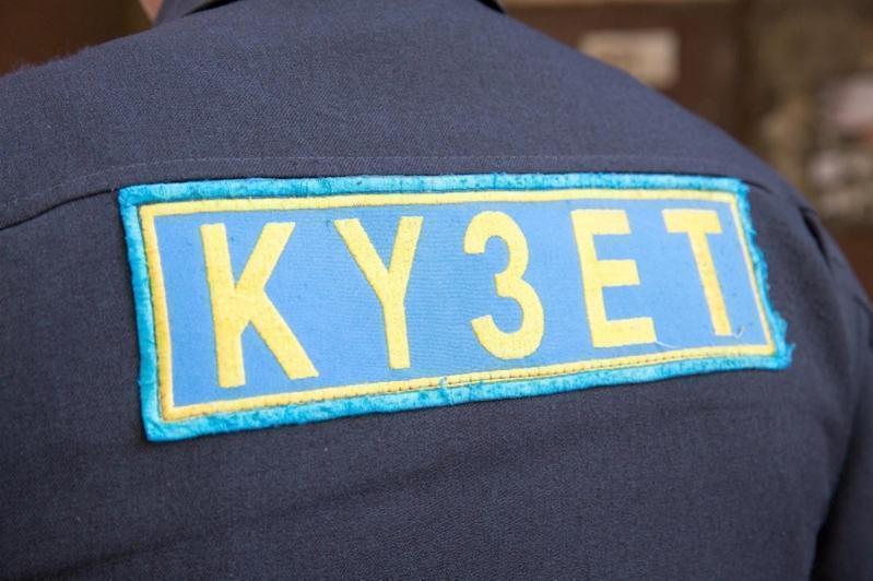 Мобильник умершей от COVID-19 пациентки украл охранник больницы в Темиртау