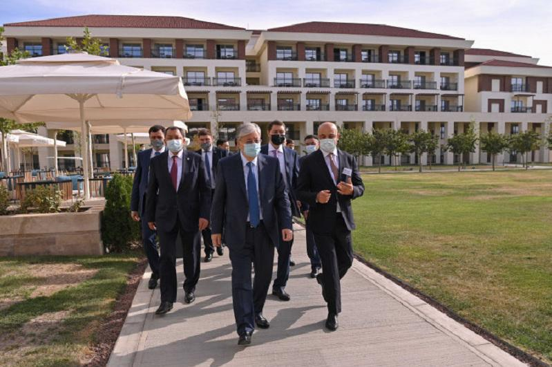 President familiarizes with projects in Mangistau region's tourism cluster