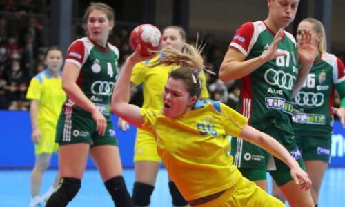 Женская сборная Казахстана по гандболу пробилась в полуфинал чемпионата Азии