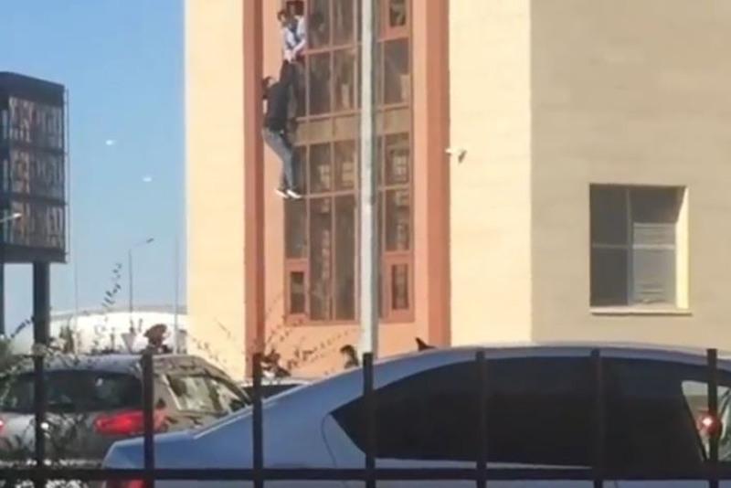 Задержанный пытался сбежать из здания полиции в Нур-Султане