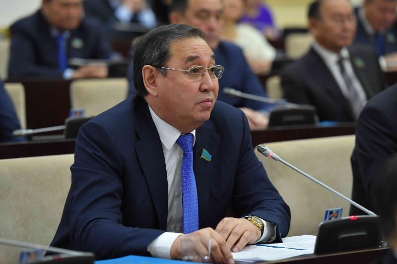 Пересмотреть размер бюджета по развитию Атырауской области предложил сенатор
