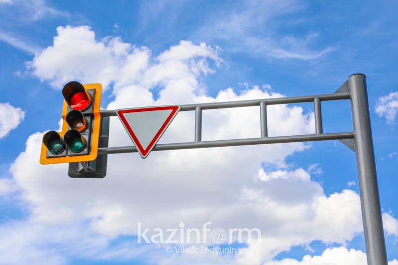 Семь участков столицы оснастили светофорами со встроенным звуковым оповещением