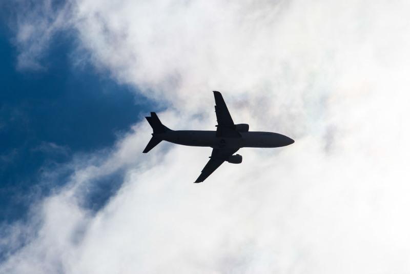 外媒:巴基斯坦空军一架飞机在训练飞行期间坠毁