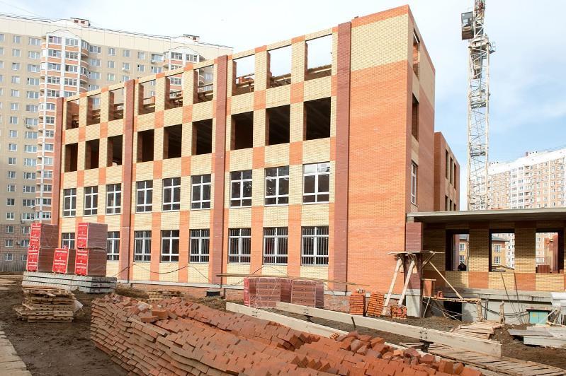 Восемь новых школ строят в Алматы