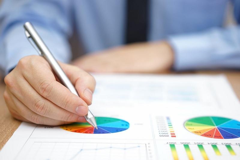 Нужно снижать дефицит бюджета и размер долга - Алихан Смаилов