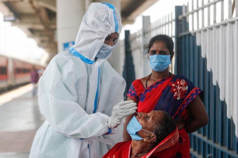 Үндістан мен Малайзияда коронавирус өршіп тұр