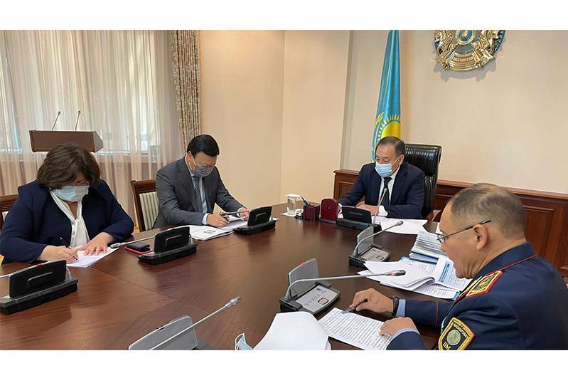 Kazakh Deputy PM holds meeting on countering drug crimes
