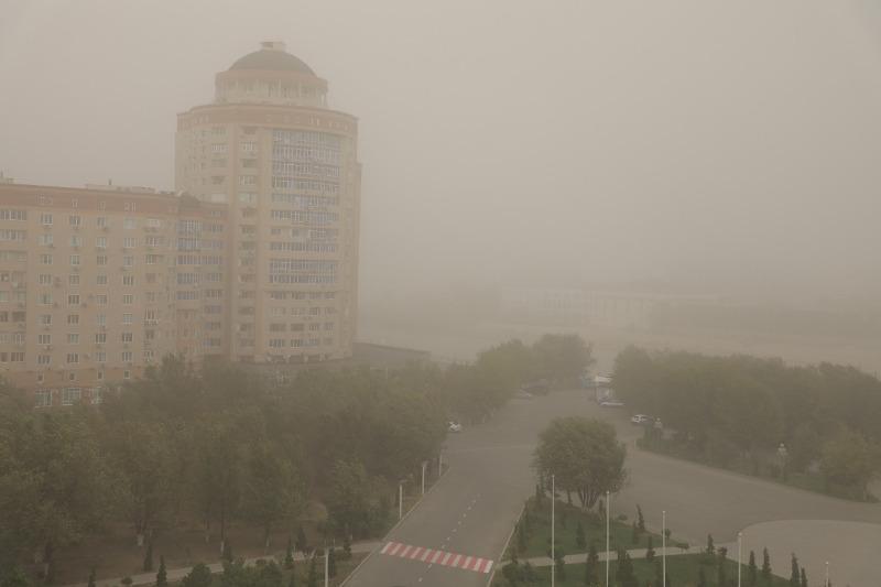 Пыльная буря накрыла Атыраускую область