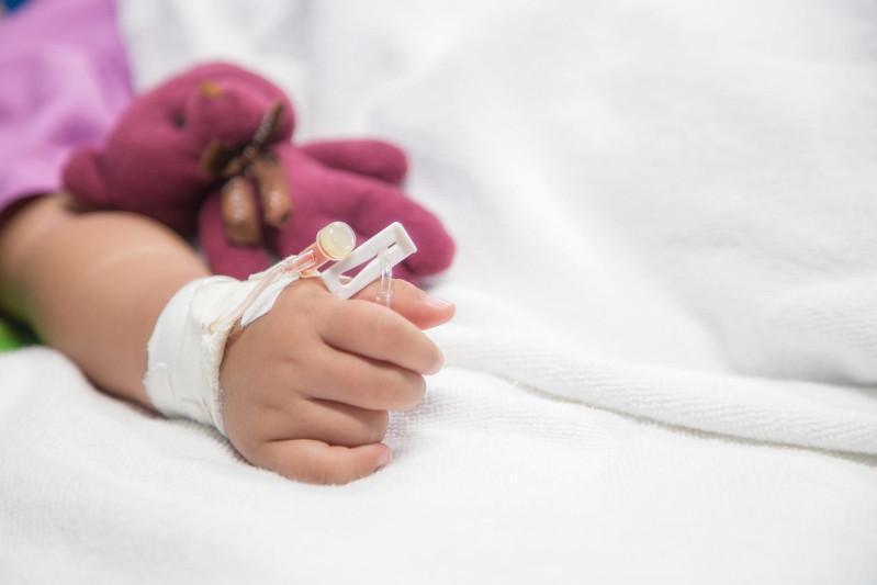 COVID-19 у детей: когда проявляются первые признаки болезни
